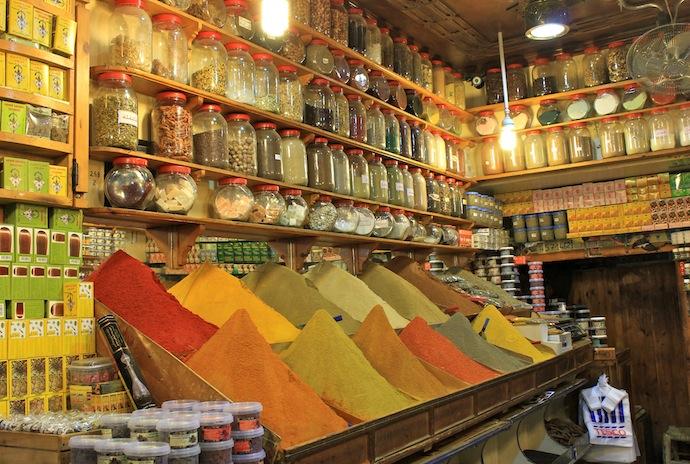 Souk Marrakech, especias, aceitunas