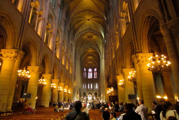 Notre Dame de Paris adentro